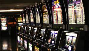 Azzardo. M5S: Controllare proprietà sale slot-vlt Terry Bell di Reggio, Castellarano, Casalgrande. La società Romagna Giochi è colpita da interdittiva.