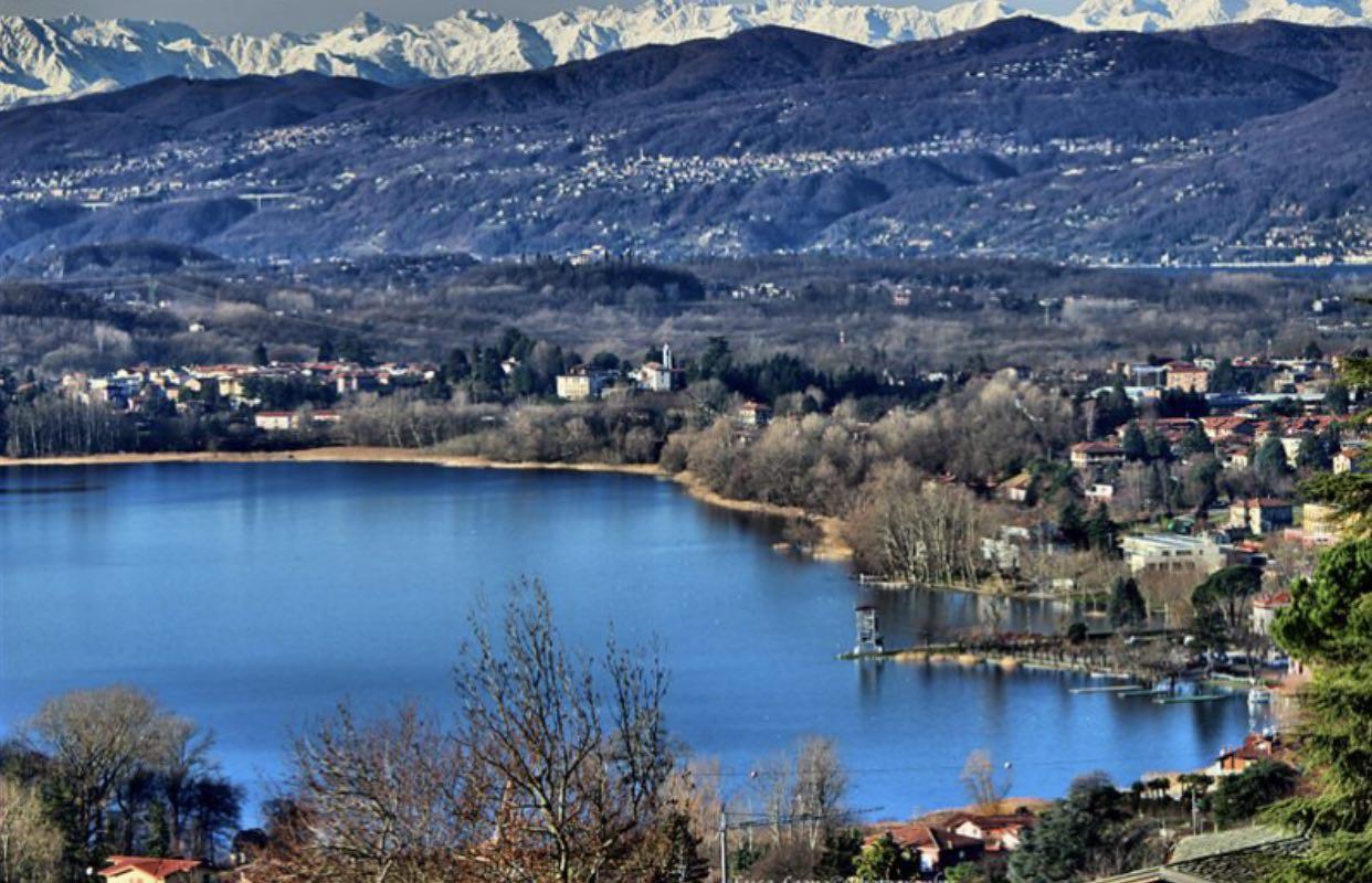 Domani alle ore 15 sarò a Gavirate per parlare del lago di Varese e di come si sia giunti al suo risanamento. Vi aspetto!
